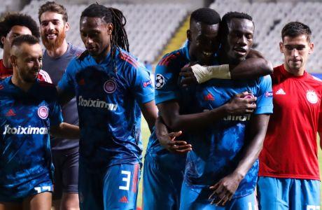 Οι παίκτες του Ολυμπιακού πανηγυρίζουν την πρόκριση τους στους ομίλους του Champions League 2020-2021, μετά το 0-0 στο ΓΣΠ με την Ομόνοια και σε συνδυασμό με το 2-0 του 'Γ. Καραϊσκάκης' | 29/09/2020