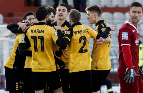 Με δύο γκολ του Ολιβέιρα, από ένα των Αλμπάνη και Σιμάνσκι και ήρωα τον Αθανασιάδη στις καθυστερήσεις, η ΑΕΚ επιβλήθηκε με σκορ 4-2 της ΑΕΛ στο Αλκαζάρ για την 22η αγωνιστική της Super League Interwetten (EUROKINISSI)