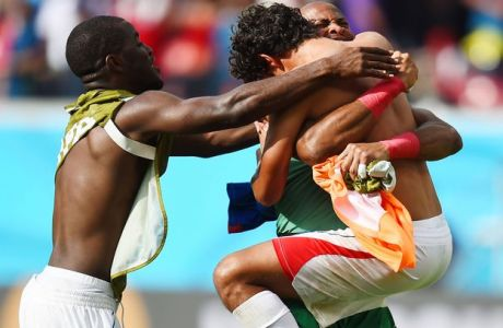 RECIFE, BRAZIL - JUNE 20: (L-R) Waylon Francis, Patrick Pemberton and Yeltsin Tejeda of Costa Rica celebrate after defeating Italy 1-0 during the 2014 FIFA World Cup Brazil Group D match between Italy and Costa Rica at Arena Pernambuco on June 20, 2014 in Recife, Brazil.  (Photo by Jamie McDonald/Getty Images)