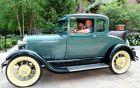 Το καλοδιατηρημένο Ford - αντίκα του Άντι Ριντ