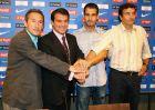 Η επίσημη παρουσίαση του Γουαρδιόλα ως προπονητή της Μπαρτσελόνα Β. Από αριστερά, Μπεγκιριστάιν, Λαπόρτα, Γουαρδιόλα και Αλεσάνκο (21/6/2007)
