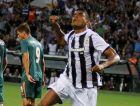 Ο Λέο Μάτος πανηγυρίζει γεμάτος πάθος και ένταση το γκολ που σημείωσε στο παιχνίδι με τον Άγιαξ