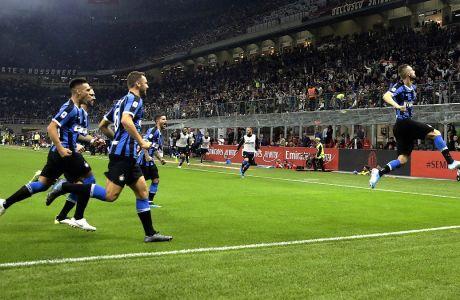 Ο Μαρτσέλο Μπρόζοβιτς της Ίντερ πανηγυρίζει το γκολ που σημείωσε στο ντέρμπι με τη Μίλαν για τη Serie A 2019-2020 στο 'Τζιουζέπε Μεάτσα', Μιλάνο, Σάββατο 21 Σεπτεμβρίου 2019