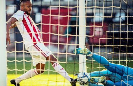 Το πρώτο γκολ του Ελ Αραμπί στο ματς της Τούμπας ακυρώθηκε, όχι όμως το δεύτερο, μετά το λάθος του Βιεϊρίνια, που έκρινε το ΠΑΟΚ-Ολυμπιακός