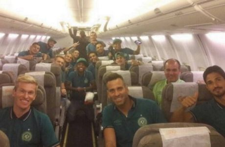 Ξανά σε αεροπλάνο οι παίκτες της Τσαπεκόνσε
