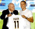 Η επίσημη παρουσίαση του Μάικλ Όουεν από τη Ρεάλ Μαδρίτης (14/8/2004).