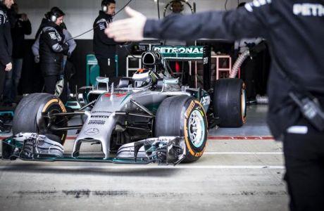 O Lorenzo πιλότος της Mercedes!