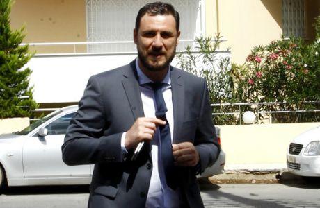 Ο man of the club της ΑΕΚ, φοράει κοστούμι και βρίσκεται παντού!
