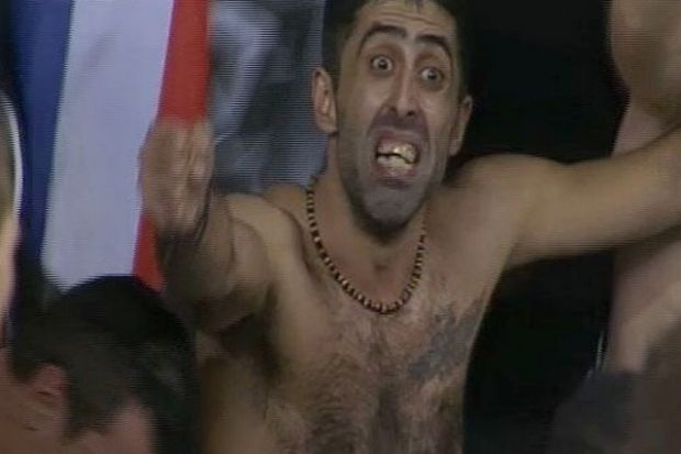 http://www.contra.gr/Soccer/Hellas/Superleague/article3977653.ece/ALTERNATES/w620/paok_fan_.jpg