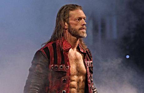 Στιγμιότυπο από τη Last Man Standing αναμέτρηση του Edge με τον Randy Orton