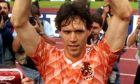 Ο Μάρκο Φαν Μπάστεν αμέσως μετά την κατάκτηση του EURO 1988 με την Εθνική Ολλανδίας.