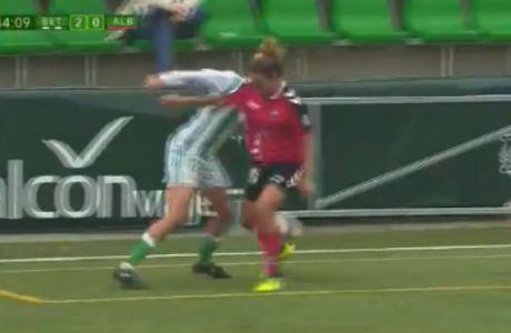 Γυναίκα ποδοσφαιριστής μοίρασε... σακούλα αμύθητης αξίας!