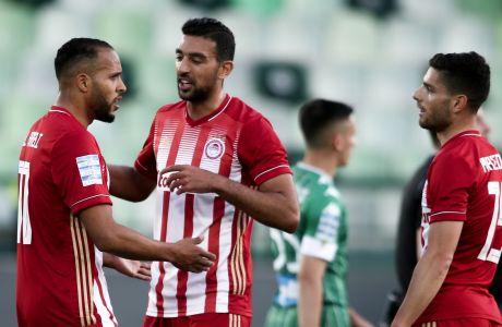 Η τριάδα Ελ Αραμπί, Χασάν και Μασούρα. Έβαλε πέντε γκολ, αλλά το ένα (του Χασάν) δεν μέτρησε