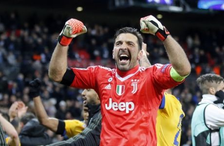Juventus goalkeeper Gianluigi Buffon during the Champions League round of 16 second leg soccer match between Tottenham Hotspur and Juventus Turin in London, England, Wednesday, March 7, 2018.(AP Photo/Frank Augstein))