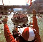 Η θρυλική gabarra με τους παίκτες της Αθλέτικ ανεβαίνει τον ποταμό Νερβιόν στο Μπιλμπάο, γιορτάζοντας την κατάκτηση του πρωταθλήματος της σεζόν 1982/83.