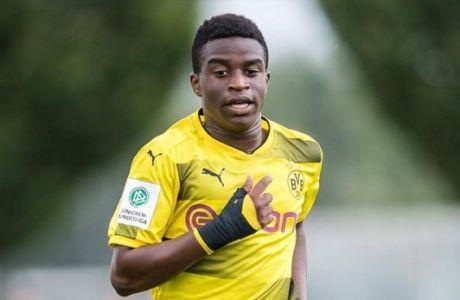 Προπονητής αμφισβητεί την ηλικία του Αφρικανού παίκτη του!