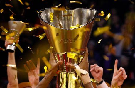 VITORIA-GASTEIZ, SPAIN  MAY 19, 2019: BC CSKA Moscow players celebrate winning their 2019 Basketball Euroleague Final Four championship game against BC Anadolu Efes Istanbul, at Fernando Buesa Arena. Valery Sharifulin/TASS PUBLICATIONxINxGERxAUTxONLY TS0AC034