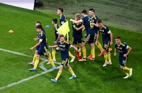 Παίκτες της Ροστόβ πανηγυρίζουν γκολ που σημείωσαν στην αναμέτρηση με τη Σότσι για τη ρωσική Premier Liga 2020, Σότσι | Παρασκευή 19 Ιουνίου 2020
