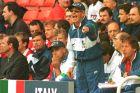 Ο προπονητής της Ιταλίας, Αρίγκο Σάκι, σε στιγμιότυπο της αναμέτρησης με τη Ρωσία για τη φάση των ομίλων του Euro 1996 στο 'Άνφιλντ', Λίβερπουλ, Τρίτη 11 Ιουνίου 1996