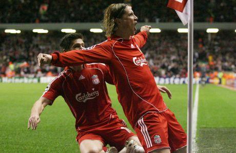 Ο Φερνάντο Τόρες της Λίβερπουλ πανηγυρίζει το γκολ που πέτυχε κόντρα στην Άρσεναλ στο δεύτερο παιχνίδι των προημιτελικών του Champions League 2017-2018, στο 'Άνφιλντ' του Λίβερπουλ, Τρίτη 8 Απριλίου 2008