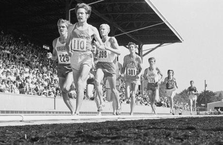Στα trials των ΗΠΑ για τους Ολυμπιακούς Αγώνες του 1972 φορέθηκαν κάποια λίγα ζευγάρια από το Nike Waffle Racing Flat Moon Shoe
