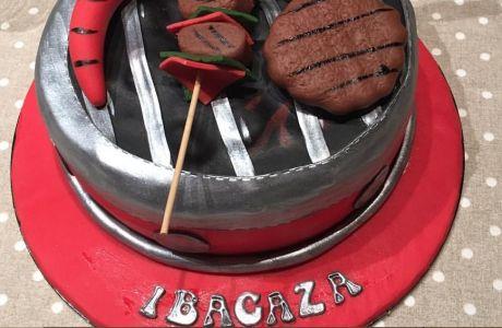 Επική τούρτα... μπάρμπεκιου στoν Ιμπαγάσα