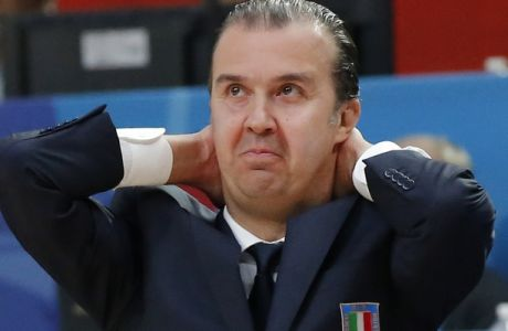 Italy's Simone Pianigiani, reacts during the EuroBasket European Basketball Championship quarterfinal match, between Italy and Lithuania, at Pierre Mauroy stadium in Lille, northern France, Wednesday, Sept. 16, 2015. Lithuania won 95-85. (AP Photo/Michel Euler)