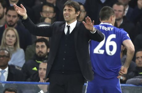 Chelsea's manager Antonio Conte shouts as Chelsea's John Terry prepares to comes on during the English Premier League soccer match between Chelsea and Middlesbrough at Stamford Bridge stadium in London, Monday, May 8, 2017. (AP Photo/Alastair Grant)