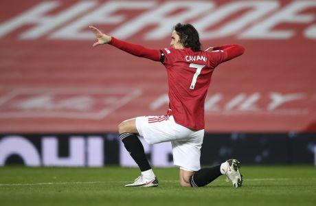 Ο Καβάνι πανηγυρίζει το γκολ που πέτυχε απέναντι στην Έβερτον στο 'Old Trafford, σε αναμέτρηση της Premier League | 06/02/2021 ⓒ 2021 Alex Pantling/Associated Press