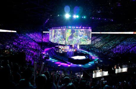 Στιγμιότυπο από τον τελικό του τουρνουά League of Legends μεταξύ Team G2 Esports και Team FunPlus Phoenix στο Παρίσι, Κυριακή 10 Νοεμβρίου 2019