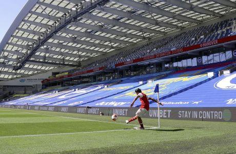 Συναγερμός σήμανε στην Premier League, όταν στο στρατόπεδο της Άρσενακλ υπήρξαν υποψίες κορυσμάτων του κορονοϊού πριν την αναμέτρηση με την Μάντσεστερ Σίτι. (Richard Heathcote/Pool via AP)