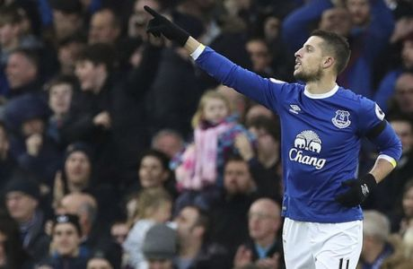 Everton's Kevin Mirallas celebrates scoring his side's second goal, during the English Premier League soccer match between Everton and Manchester City at Goodison Park, in Liverpool, England, Sunday Jan. 15, 2017. (Peter Byrne/PA via AP)