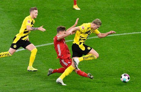 Ο Έρλινγκ Χάαλαντ της Ντόρτμουντ μονομαχεί με τον Γιόσουα Κίμιχ της Μπάγερν σε αναμέτρηση για την Bundesliga 2020-2021 στο 'Ζιγκνάλ Ιντούνα Παρκ', Ντόρτμουντ | Σάββατο 7 Νοεμβρίου 2020