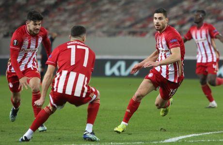 Ο Γιώργος Μασούρας υπέγραψε το 4-2 του Ολυμπιακού επί της Αϊντχόφεν στο 'Γεώργιος Καραϊσκάκης', για την φάση των '32' του Europa League. (LATO KLODIAN / EUROKINISSI)