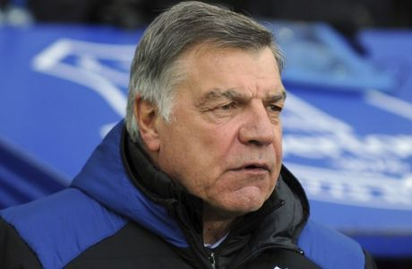 Everton manager Sam Allardyce during the English Premier League soccer match between Everton and Manchester City at Goodison Park in Liverpool, England, Saturday, March 31, 2018. (AP Photo/Rui Vieira)