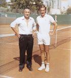 Ο Λάζαρος Στάλιος (αριστερά) δίπλα στον Νικ Καλογερόπουλο.