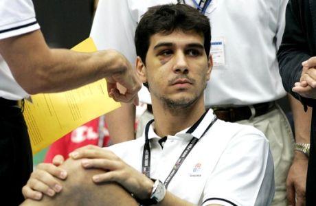 2006: Όταν ο Βαρεζάο έσπασε τη μύτη του Νίκου Ζήση