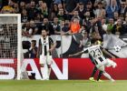 Juventus' Dani Alves, front right, scores his side's 2nd goal during the Champions League semi final second leg soccer match between Juventus and Monaco in Turin, Italy, Tuesday, May 9, 2017. (AP Photo/Antonio Calanni)