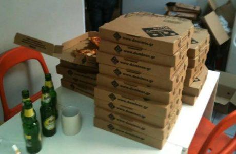 Πρεμιέρα με πίτσες, μπύρες και παγωτά