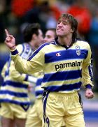 Parma's Argentine striker Hernan Crespo celebrates a goal against Torino during an Italian first division match at Parma Sunday, December 5, 1999. Crespo scored twice to help his team win 4 - 1, climbing on top of the leading scorers of the tournament with 9 goals in 12 matches. (AP Photo/Claudio Miano)