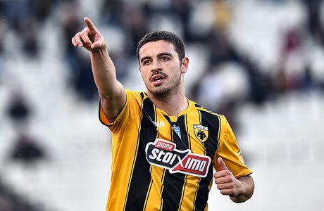 Ο Κώστας Γαλανόπουλος της ΑΕΚ πανηγυρίζει γκολ που σημείωσε κόντρα στον Παναιτωλικό για τη Super League 2018-2019 στο Ολυμπιακό Στάδιο | Κυριακή 31 Μαρτίου 2019