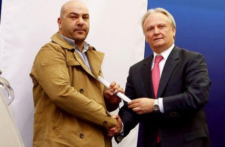 Βραβεύτηκε το Contra.gr και ο Άρης Ασβεστάς