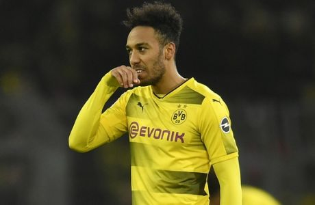 Dortmund's Pierre-Emerick Aubameyang reacts disappointed after the German Bundesliga soccer match between Borussia Dortmund and SC Freiburg in Dortmund, Germany, Saturday, Jan. 27, 2018. The match ended 2-2. (AP Photo/Martin Meissner)
