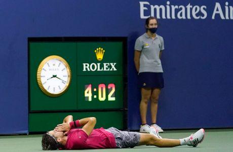 Ο Ντόμινικ Τιμ πανηγυρίζει τη νίκη του επί του Αλεξάντερ Ζβέρεβ στον τελικό του US Open 2020 στο 'Μπίλι Τζιν Κινγκ', Νέα Υόρκη | Κυριακή 13 Σεπτεμβρίου 2020