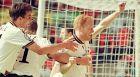 Ο Ματίας Ζάμερ πανηγυρίζει το δεύτερο γκολ της Γερμανίας στο 2-1 επί των Κροατών, στον προημιτελικό του Euro 1996