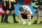 Argentina's Gonzalo Higuain cries after his 2-1 during the group D against Nigeria, at the 2018 soccer World Cup in the St. Petersburg Stadium in St. Petersburg, Russia, Tuesday, June 26, 2018. Argentina qualified to the round of sixteen. (AP Photo/Ricardo Mazalan)