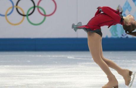Γιούλιγια Λιπνίτσκαγια, το κορίτσι με το κόκκινο φόρεμα