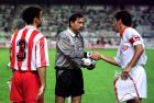 Ο Κυριάκος Καραταΐδης πριν από αγώνα με τη Σεβίλλη για τη φάση των 32 του Κυπέλλου UEFA