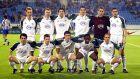 Ο Παναθηναϊκός πριν από την αναμέτρηση με την Πόρτο για τον πρώτο προημιτελικό του Κυπέλλου UEFA 2002-2003 στο 'Ντας Άντας', Πόρτο. Όρθιοι από αριστερά, Ρενέ Χένρικσεν, Γιαν Μικάελσεν, Τάκης Φύσσας, Σωτήρης Κυργιάκος, Αντώνης Νικοπολίδης, Νίκος Λυμπερόπουλος. Καθιστοί από αριστερά, Γιώργος Καραγκούνης, Γιόνας Κόλκα, Γιούρκας Σεϊταρίδης, Εμάνουελ Ολισαντέμπε, Άγγελος Μπασινάς. Πέμπτη 13 Μαρτίου 2003