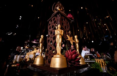 epa08183080 A cake displaying Oscars chocolate models to be served for the 92nd Oscars Governors Ball is displayed during the press preview at the Ray Dolby Ballroom in Hollywood, California, USA, 31 January 2020. The Academy Awards ceremony will take place on 10 February 2020.  EPA/ETIENNE LAURENT